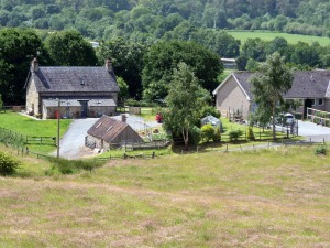 Dalnabo Farm adjacent to Kirrandrum at south end. Note stone barn and