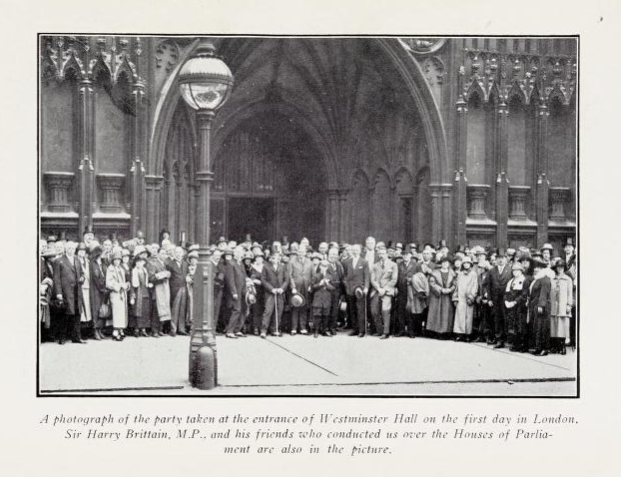 Canadian News Editors Party at Entrance to Westminster Hall, June 1924. Photo from Pilgrims of the Press.